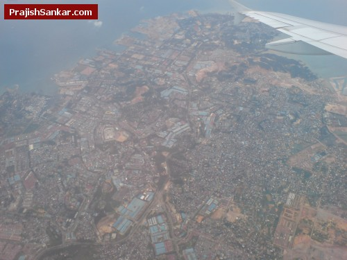 I have no idea where this is, it is so densely populated that hardly any trees are left!