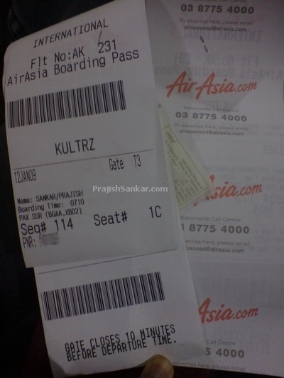 AirAsia boarding pass looks like shopping receipt.