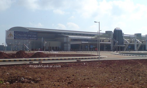 New Tiruchirappalli (Trichy) airport under construction right beside current one.